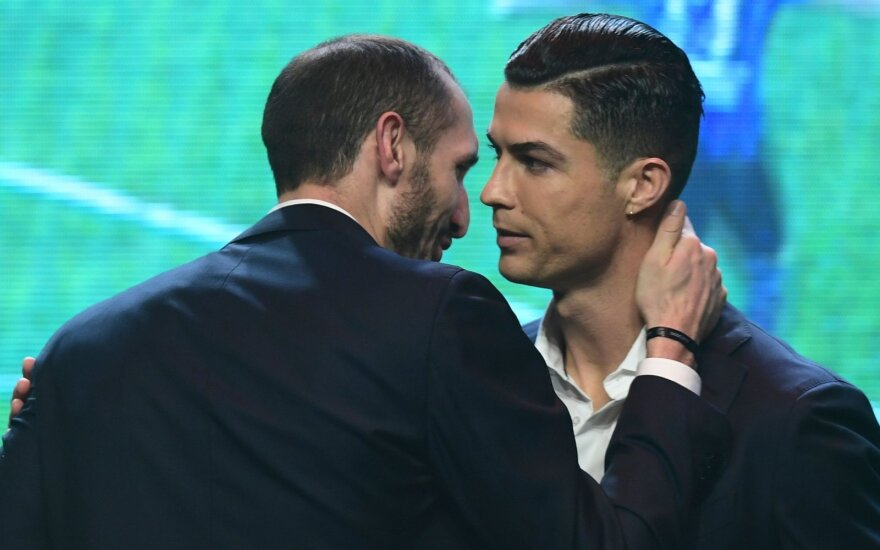 Giorgio Chiellini ir Cristiano Ronaldo