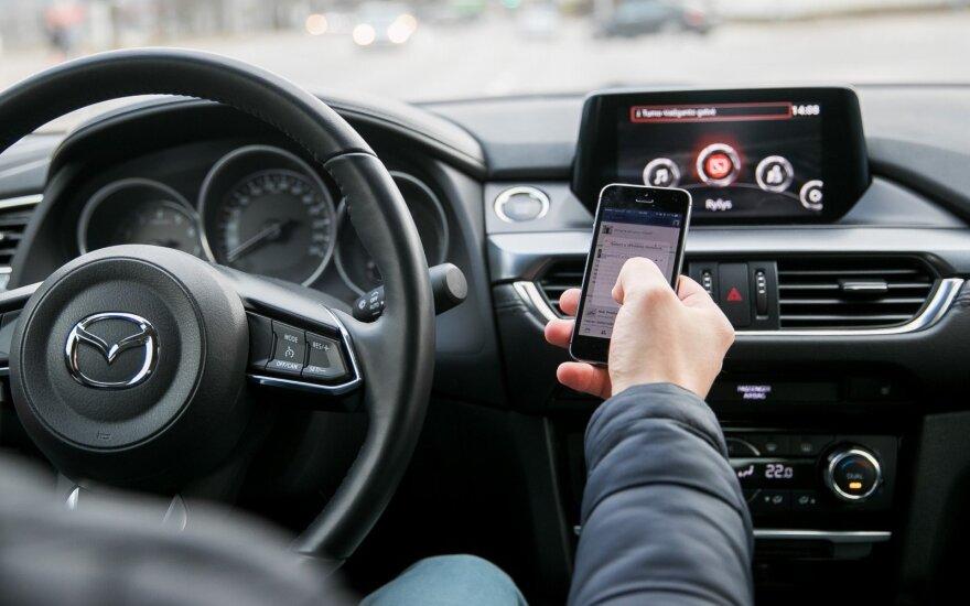 Lietuvos vairuotojams siūlo Šveicarijos pavyzdį: pažeidėjams bus riesta