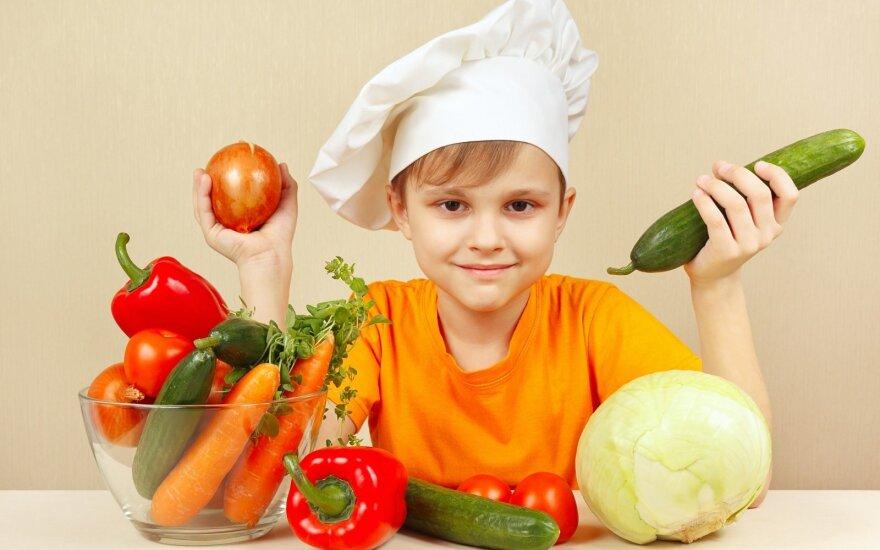 Vaikų psichiatras L. Slušnys: vaikams supažindinti su daržovėmis knygų nepakanka