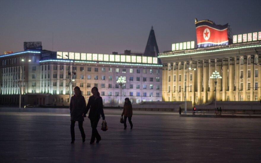 Europos Sąjunga griežtina sankcija Šiaurės Korėjai