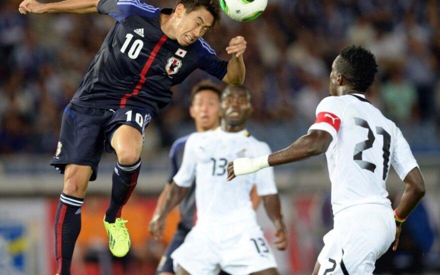 Shinji Kagawa smūgiuoja