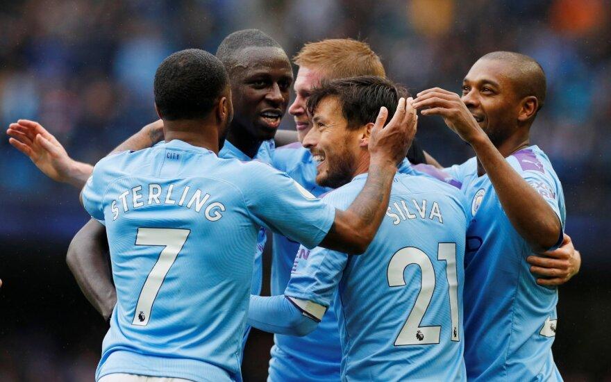 """""""Man City"""" žaidėjai džiaugiasi Kevino De Bruyne įvarčiu"""