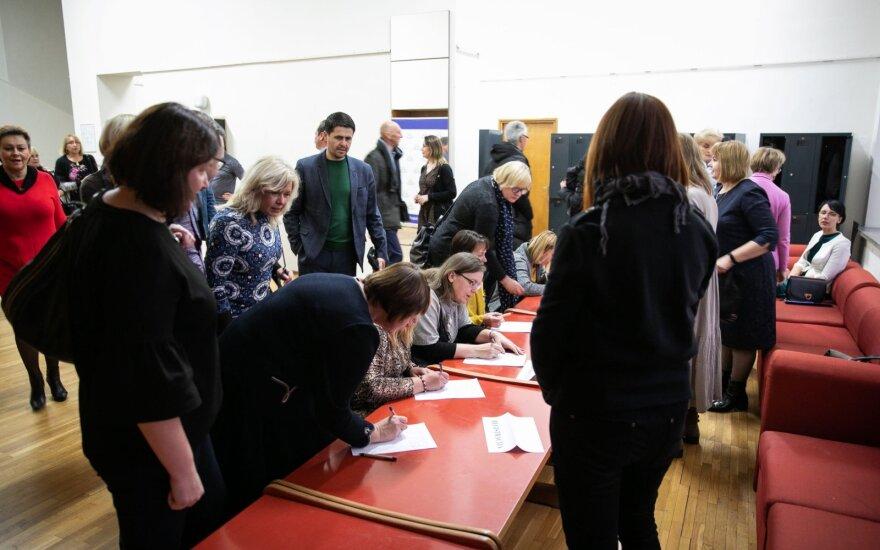 Įspėjamasis streikas suveikė: ketinama pasirašyti kolektyvinę sutartį su keturiomis švietimo profsąjungomis