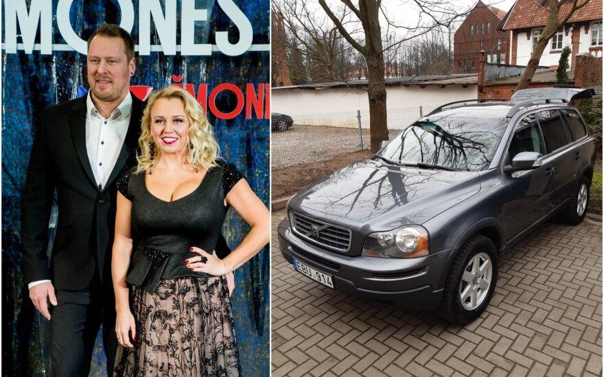 Violeta ir Vilius Tarasovai parduoda automobilį / Foto: Delfi, asm.archyvo