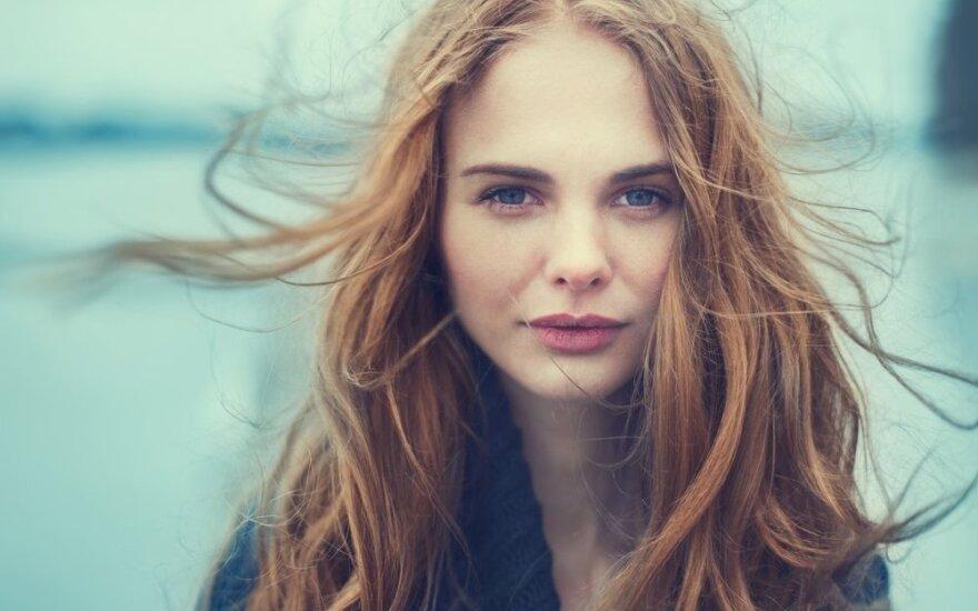 Ką daryti, kad plaukai žiemą nesielektrintų