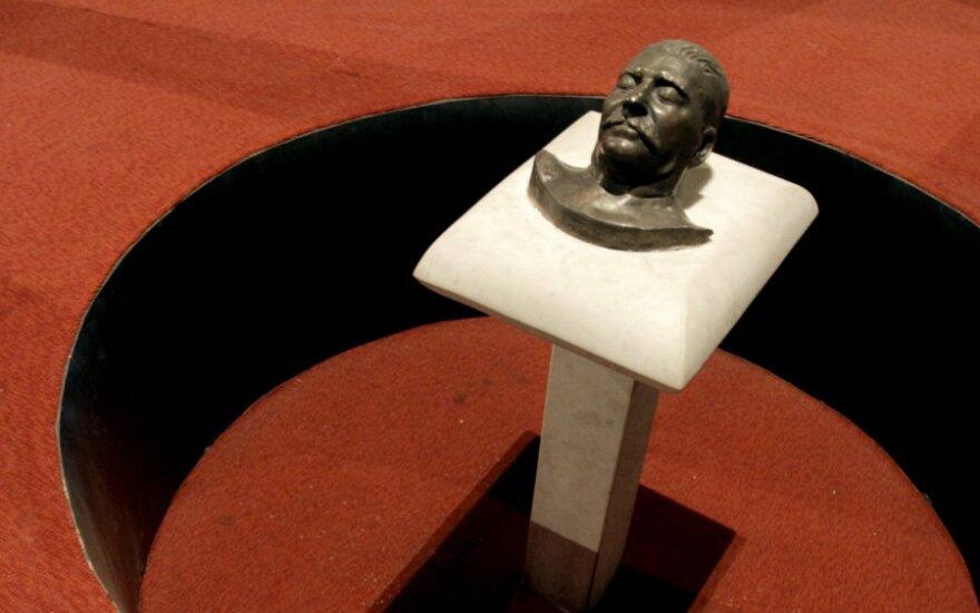 Pomirtinė Josifo Stalino kaukė