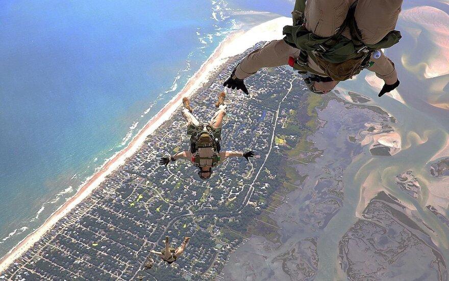 Jūrų pėstininkų reideriai. Šuolių parašiutu treniruotės. 2013 metai