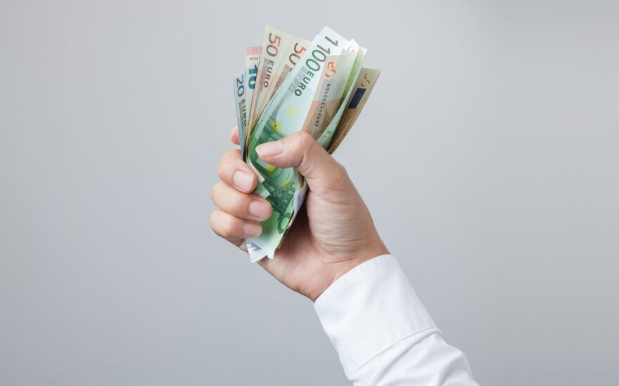 Didžiausios algos rugsėjį – 32 tūkstančiai eurų: dominavo IT ir medicinos srities įmonės