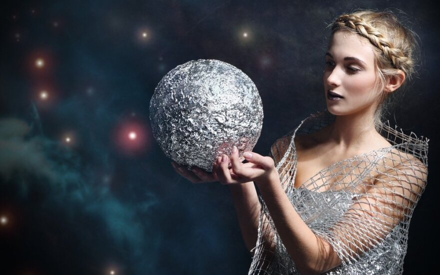 Astrologės Lolitos prognozė gruodžio 25 d.: džiugi, šviesios energijos diena
