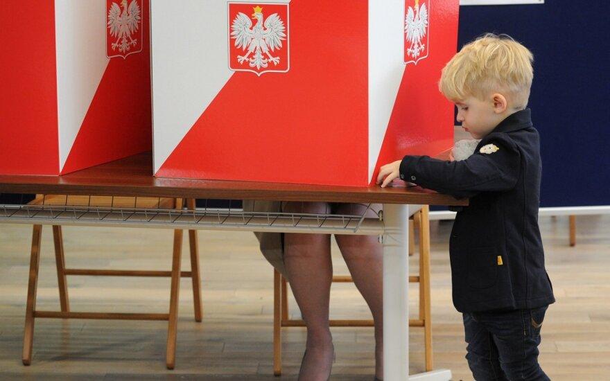 Naujasis Lenkijos parlamentas liko be kairiojo sparno