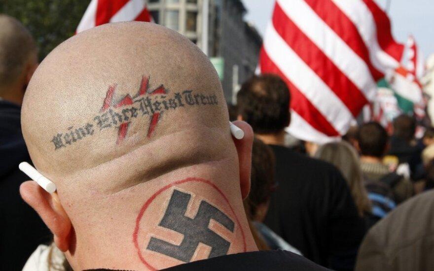 Vokietijos teismas leido šalies prezidentui neonacius vadinti kvankomis