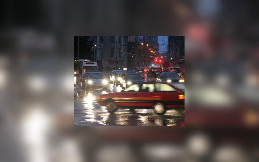 Lietus, automobiliai, gatvė, sankryža