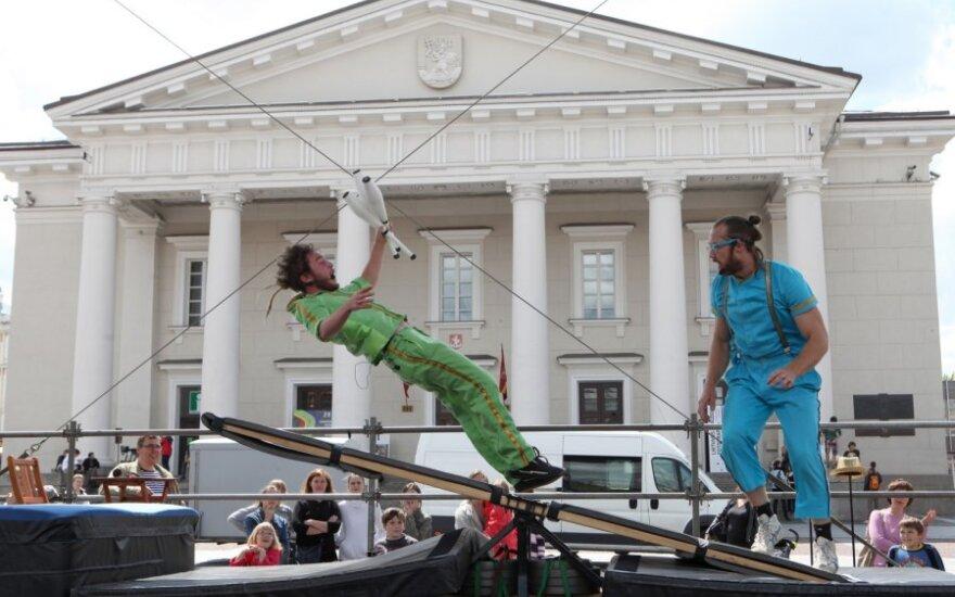 Švedijos nacionalinės dienos proga Švedijos ambasada vilniečius pakvietė į viešą renginį Vilniaus Rotušės aikštėje