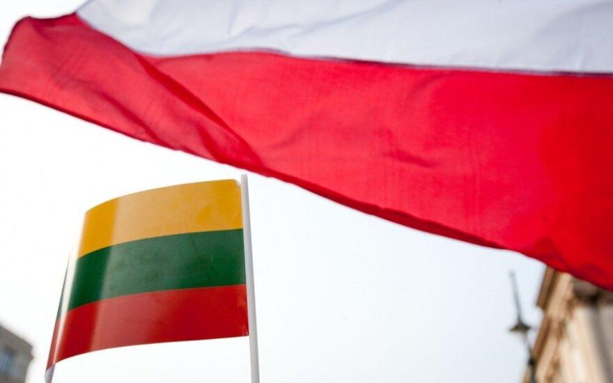 Lietuvių odė lenkams: išklojo, kur jie mus lenkia