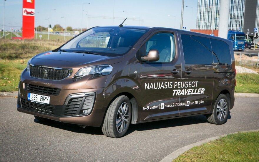 """Naujasis """"Peugeot Traveller"""" keliauti siūlo nuo 5 iki 9 žmonių"""