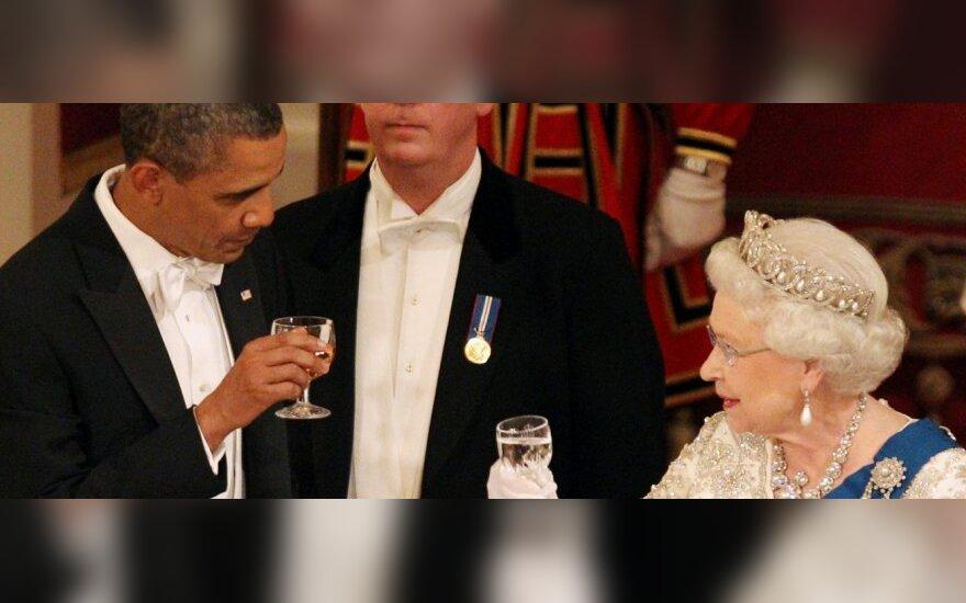 Barackas Obama ir Britanijos karalienė Elžbieta II