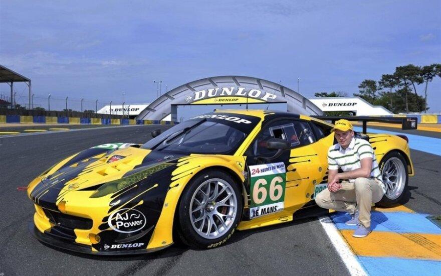 E.Gužauskas prie Ferrari F458 GT2