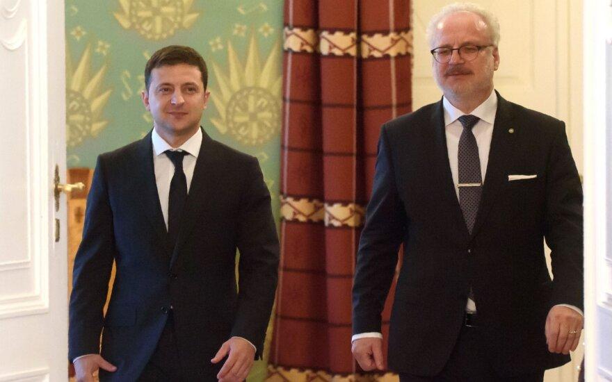 Volodymyras Zelenskis, Egilas Levitas