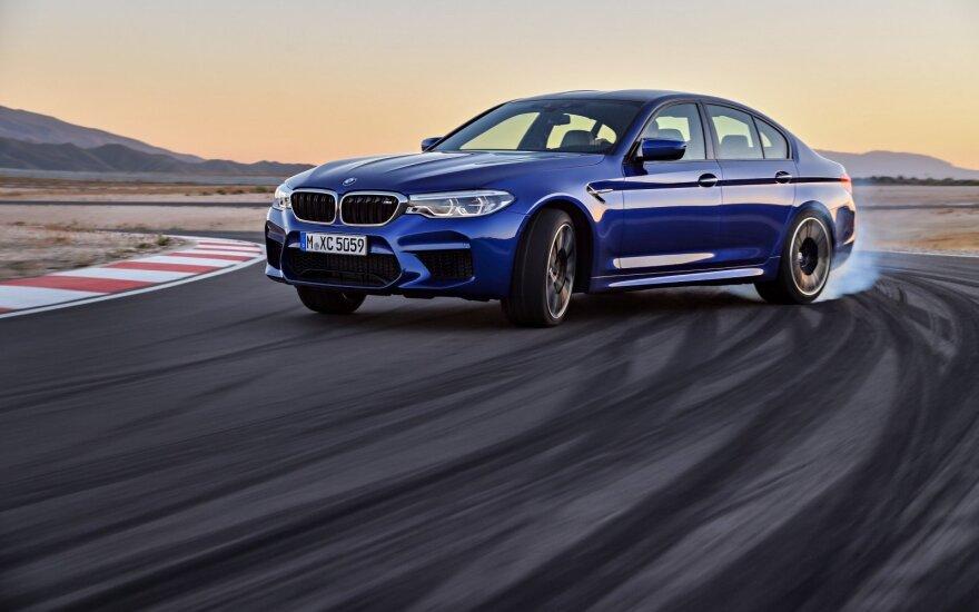 """Naujos kartos """"BMW M5"""""""