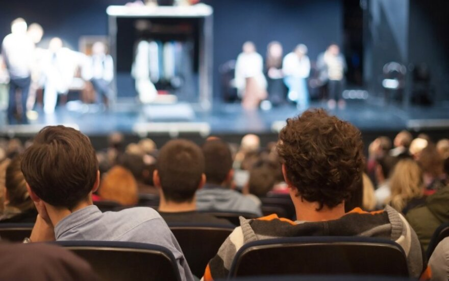 Į teatrą lietuviai vaikšto dažniau negu į sporto varžybas