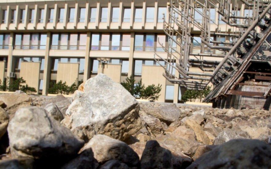 """Prie Seimo – """"užmėtymo akmenimis vieta"""""""