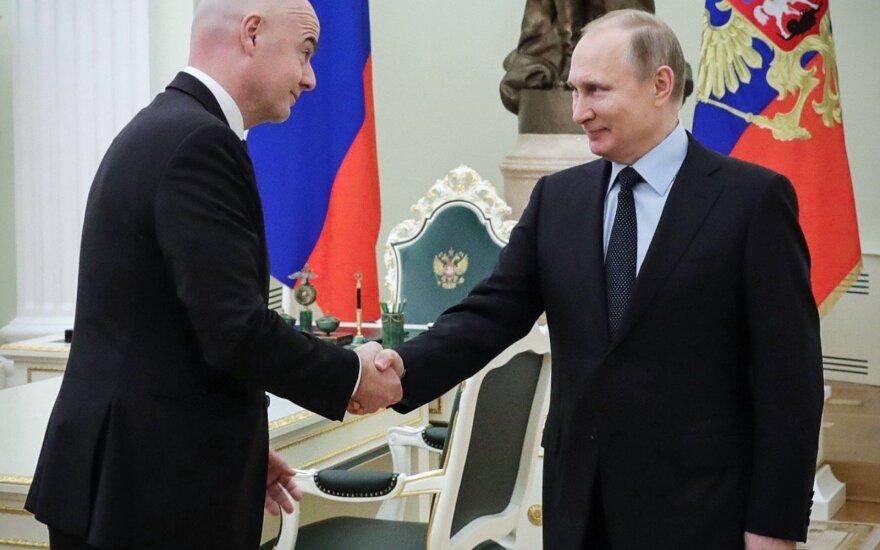 Gianni Infantino ir Vladimiras Putinas