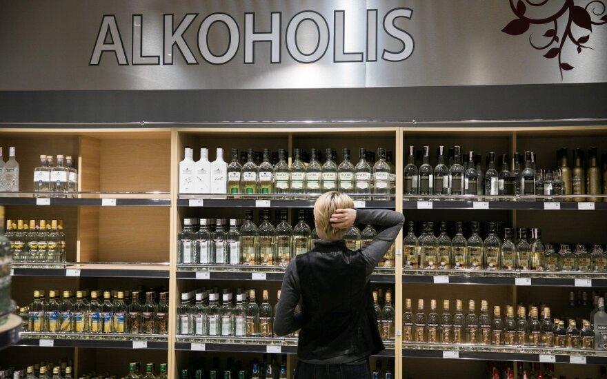Keičiasi lietuvių alkoholio pirkimo įpročiai