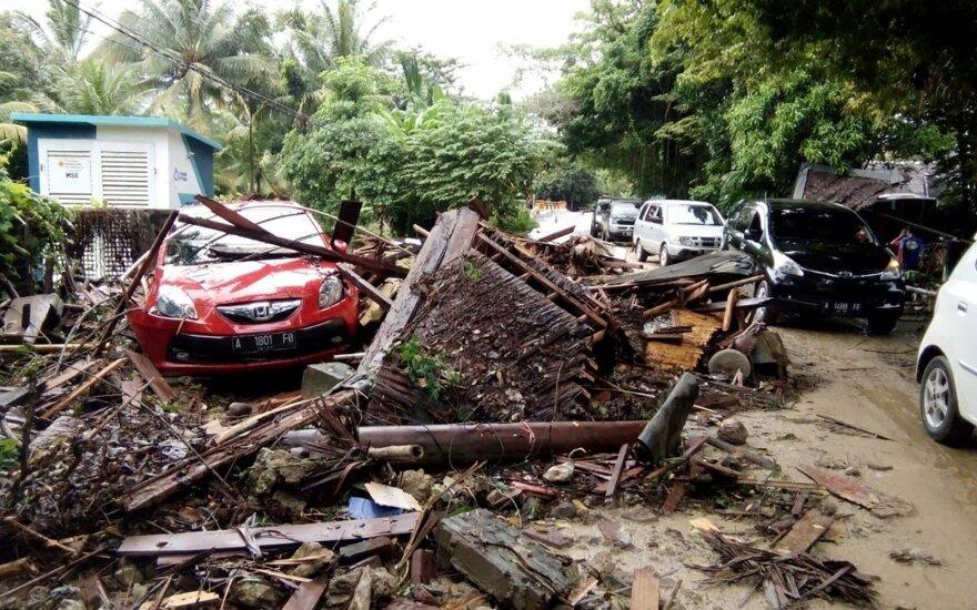 Indonezijoje cunamis nusinešė daugybę gyvybių