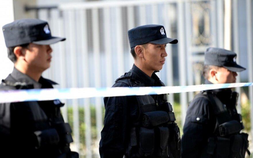 """Kinijos kaime per """"masines šaudynes"""" žuvo penki žmonės, įskaitant du policininkus"""