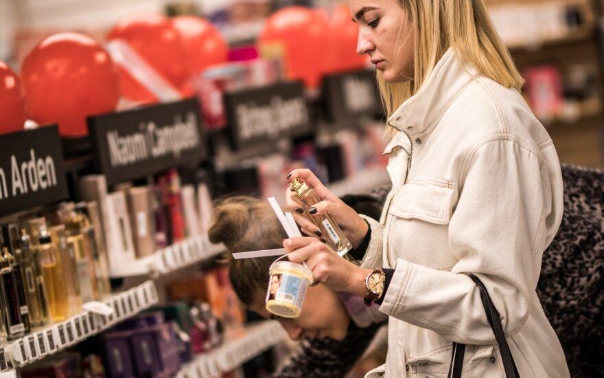 Didžiuosiuose Lietuvos miestuose esančiose parduotuvėse didžiąją dalį asortimento galima išbandyti