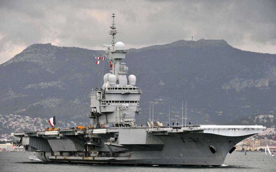 Prancūzų šaltiniai: pastebėtas turkų laivas, lydintis karinį krovinį į Libiją