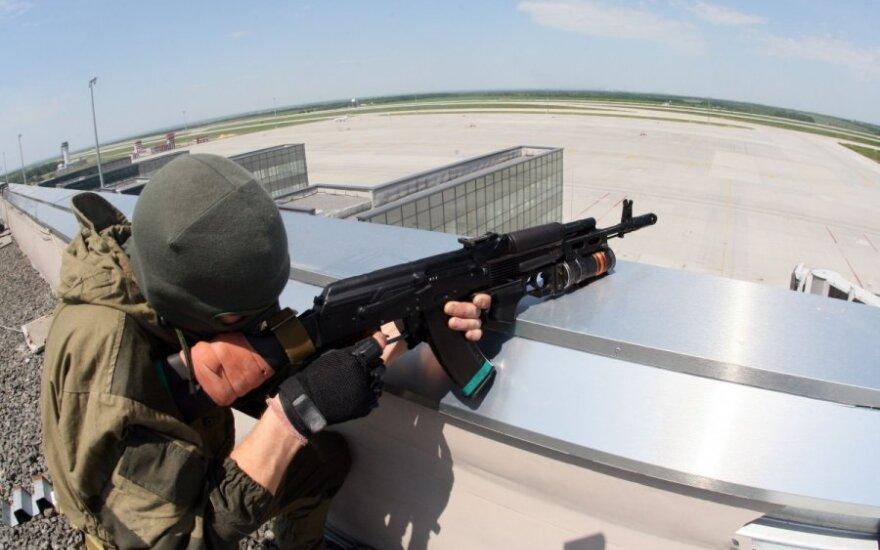 Žurnalistas: teroristai prašosi į antiteroristinės operacijos kovotojų gretas