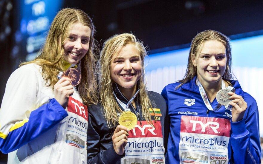Sophie Hannson (kairėje), Rūta Meilutytė, Jenna Laukkanen