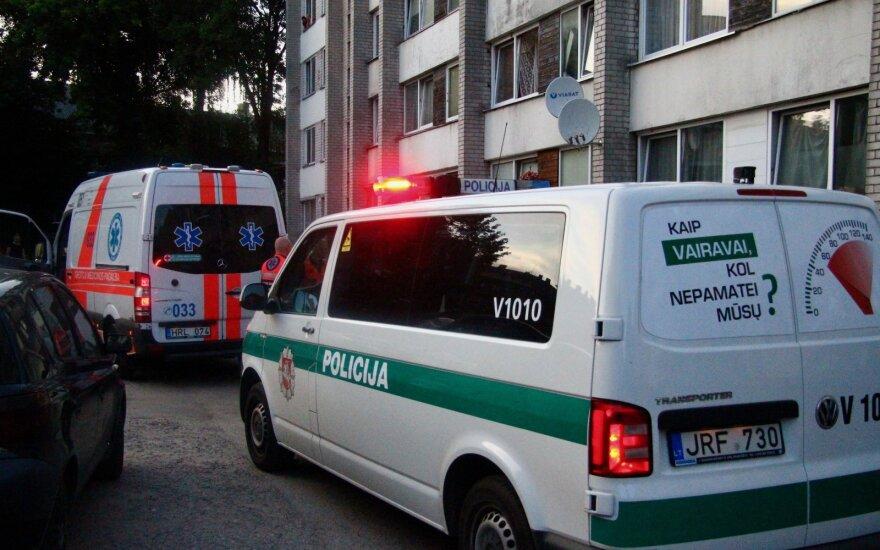 Baisi nelaimė Marijampolėje: 2-metis iškrito pro buto langą, vaikas ligoninėje