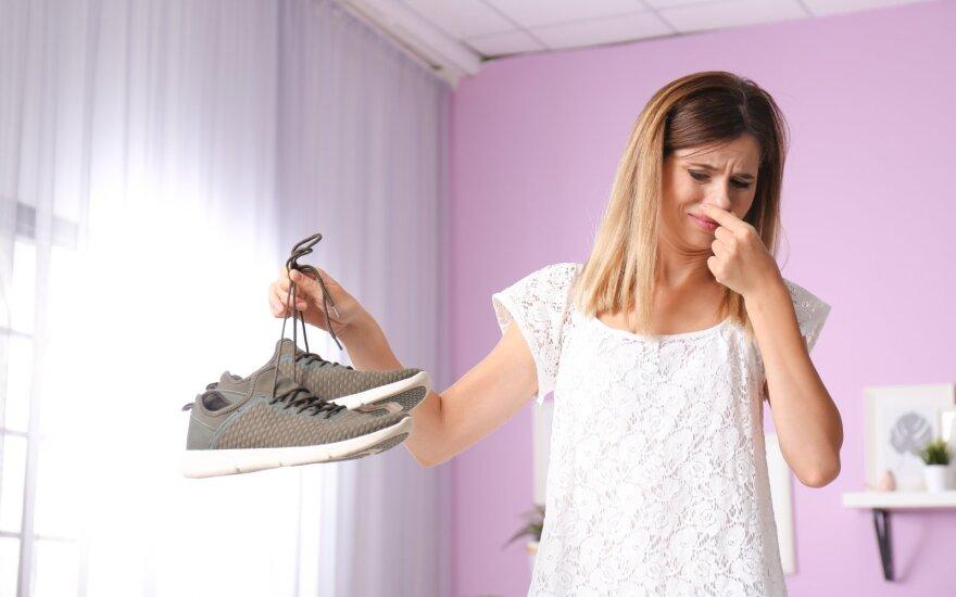 Smirdantys batai