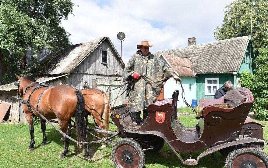 Dzūkas sugalvojo unikalią pramogą: bričkele – po reto grožio Lietuvos kampelį