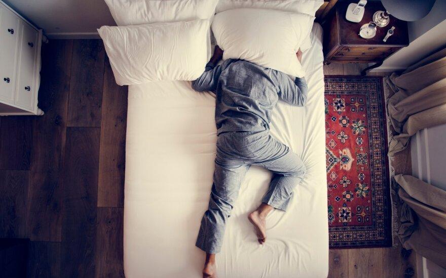 Kankina nemiga? Štai išbandytos priemonės, kurios veikia miego naudai