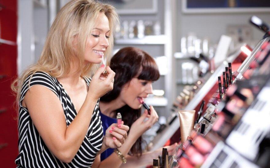 Po apsilankymo kosmetikos parduotuvėje pasibaisėjo darbuotojų elgesiu