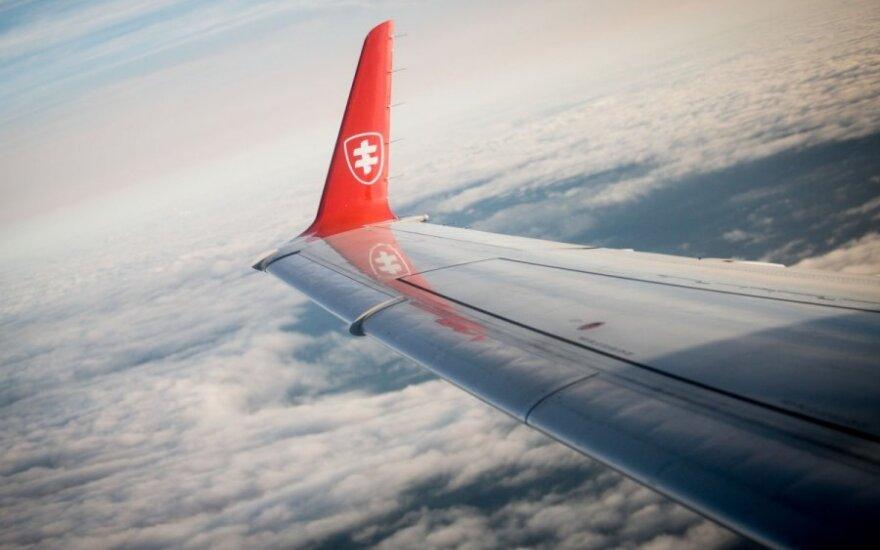 """""""Air Lituanica"""" pakilo į Berlyną, bet apsisuko ir grįžo"""