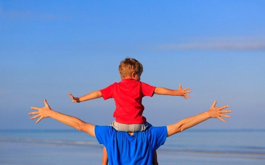Koks vaiko auklėjimas priartina laimę?
