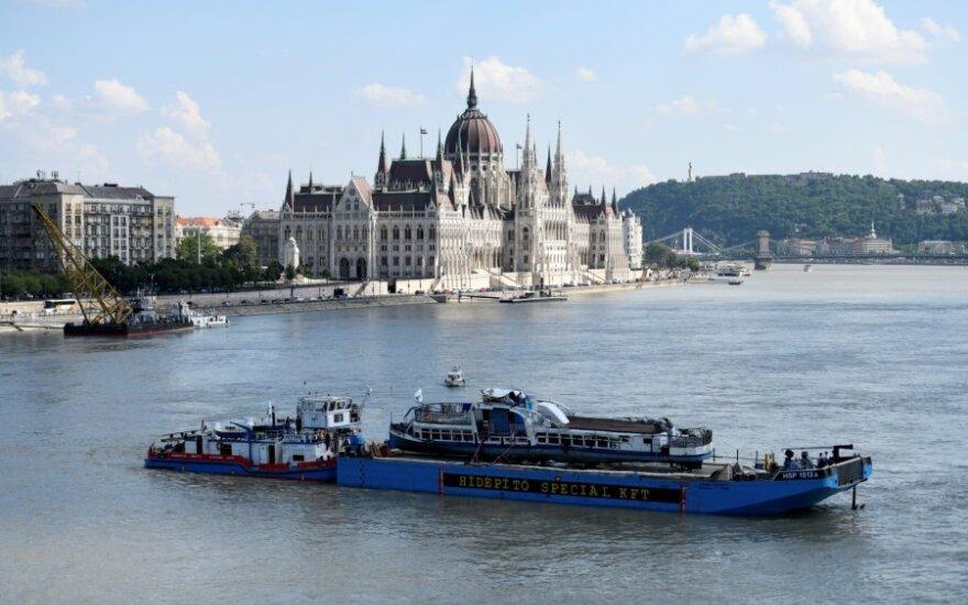 Ištrauktas nuskendęs turistų laivas