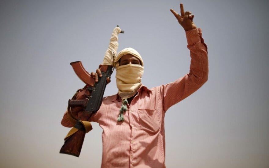 """""""Al Qaeda"""" skelbia kurianti naują padalinį"""
