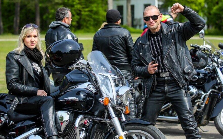 Motociklų variklių gausmas skelbia sezono atidarymą