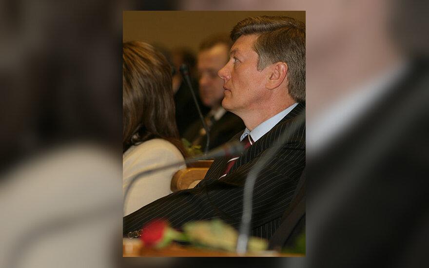 Pirmasis naujojo Seimo posėdis, Artūras Paulauskas