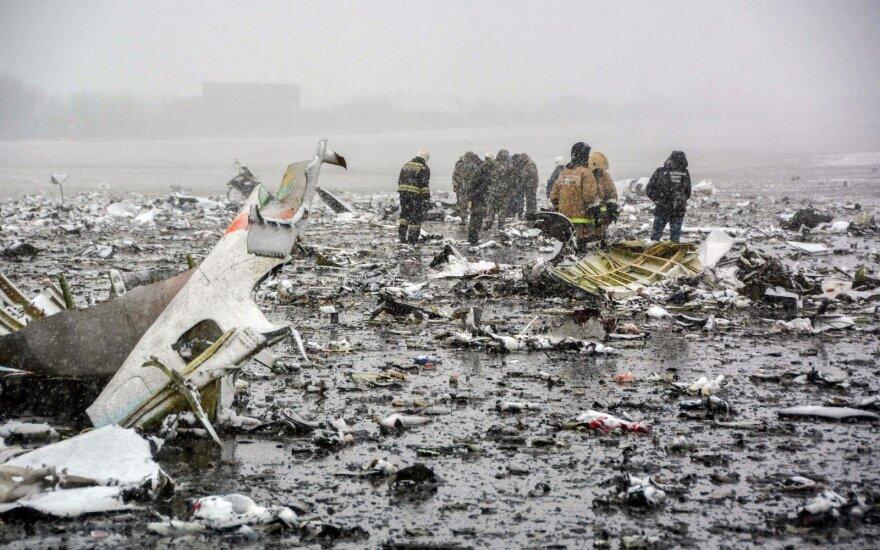 """Aiškėja """"FlyDubai"""" lėktuvo katastrofos priežastys: pilotai rėkė vienas ant kito"""