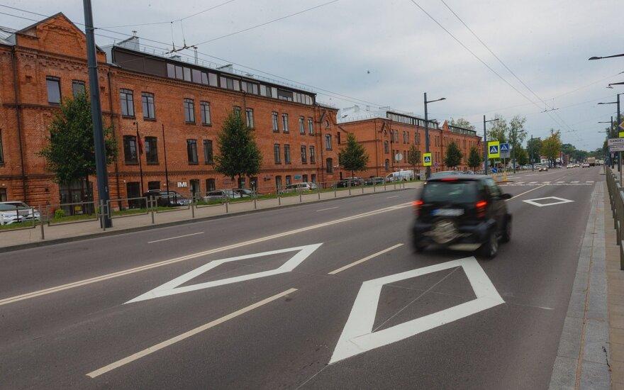 Kauno gatvėse atsirado nematyti rombai