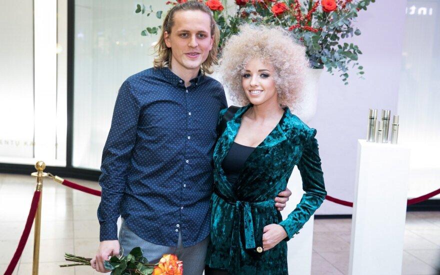 Atlikėjai Anžela Adamovič ir Žygimantas Gečas po vestuvių nėrė į verslą