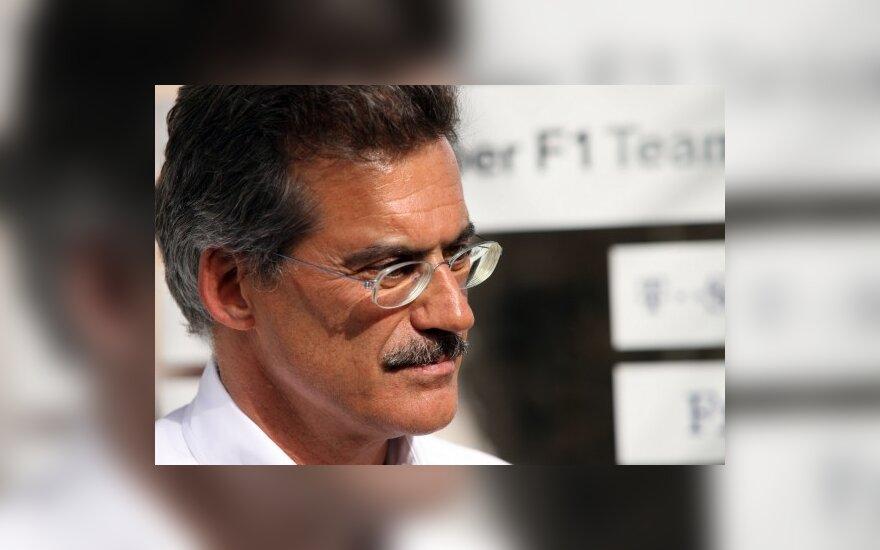 """BMW mėgina parduoti """"Formulės-1"""" komandą"""