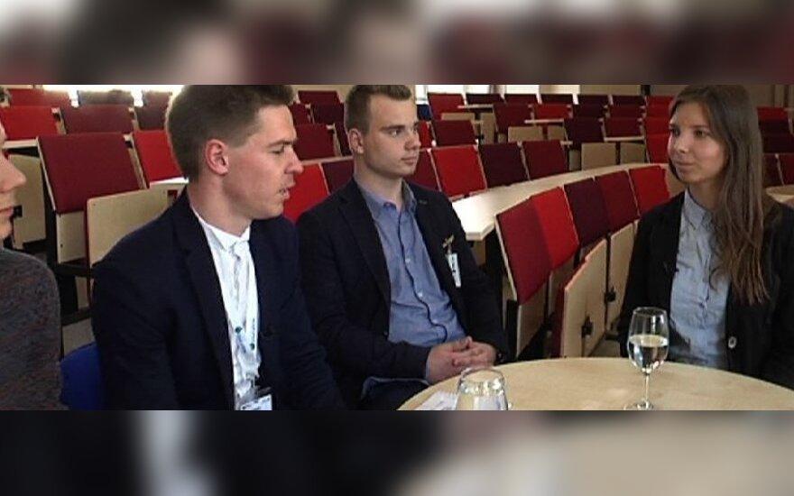 """P. Paškevičius su kolegomis iš """"Solidaus mokslo"""" susitiko su Lietuvos moksleivių sąjungos prezidente A. Burneikaite"""