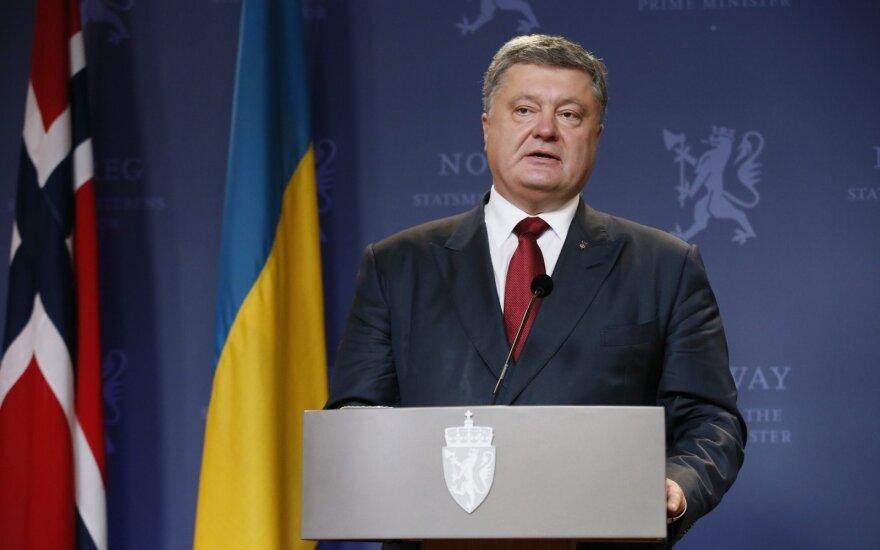 P. Porošenka kritikuoja Rusiją dėl ginklų tiekimo sukilėliams